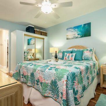 Luxurious ocean colors bedroom