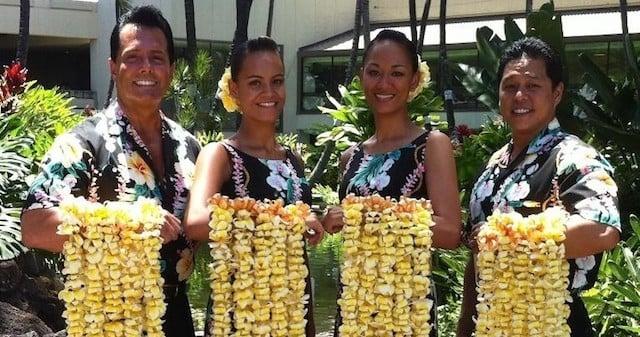 Maui Airport Lei Greeting